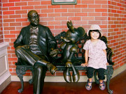 ウォルト・ディズニーとミニーと孫