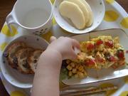 幼子の朝食