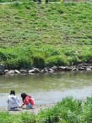 川風の渡る土手
