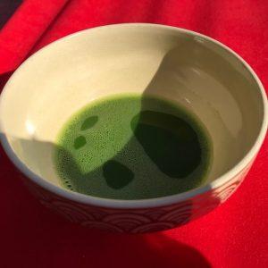 冬浅し季節を映す抹茶碗