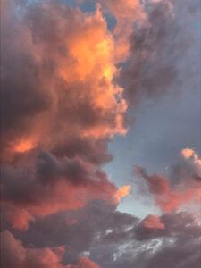 雲の神何やら叫ぶ山開き